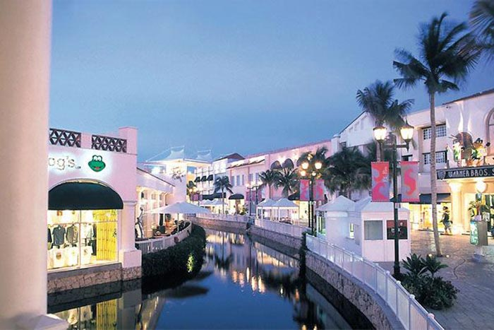 La Isla Shopping Village in Cancun