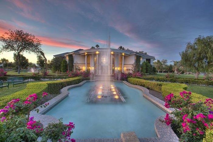 Wayne Newton's Casa de Shenandoah in Las Vegas