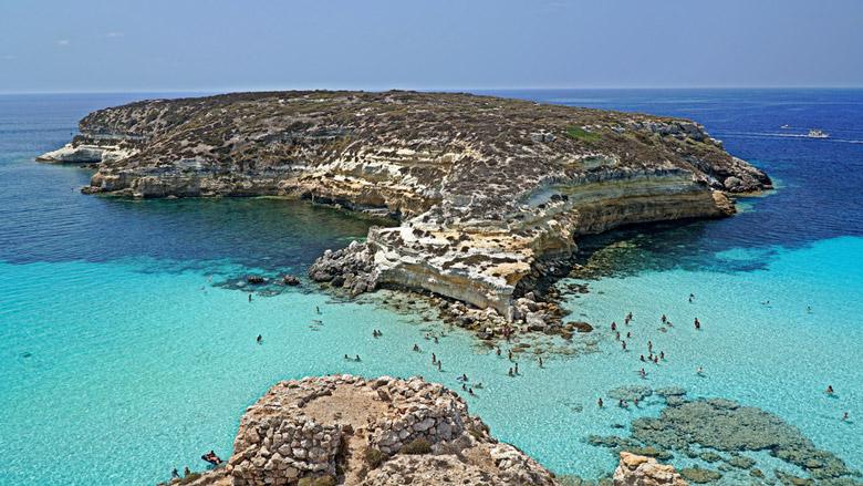 Spiaggia dei Conigli in Sicily