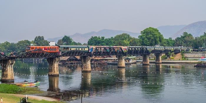 Z Bangkoku do Kanchanaburi pociągiem