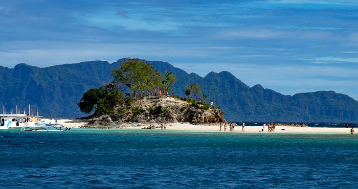 El Nido to Coron by island-hopping tour