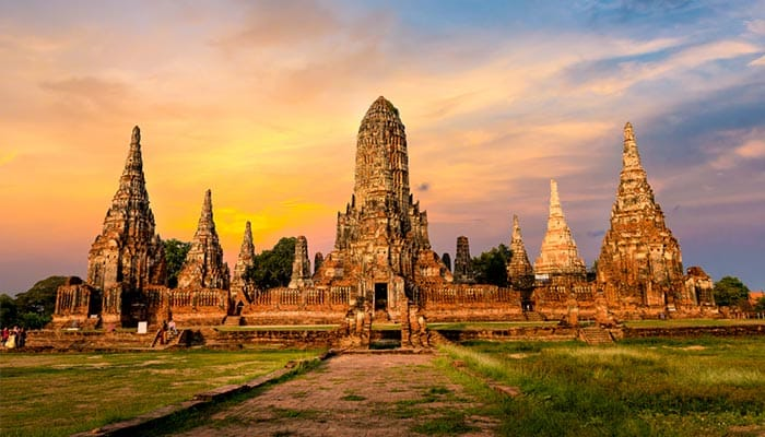 How to travel from Bangkok to Ayutthaya