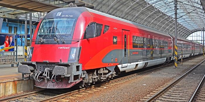 Berlin to Prague by train