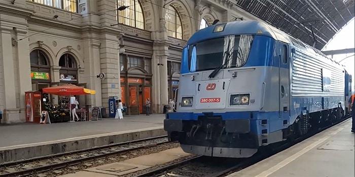 Prague ke Budapest dengan menaiki keretapi