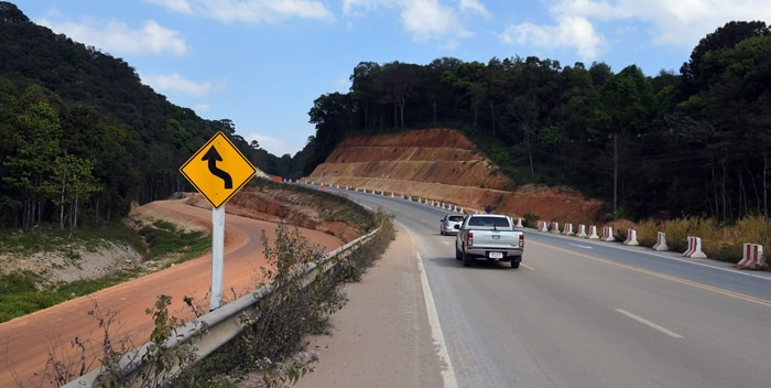 The road from Chiang Mai to Chiang Rai