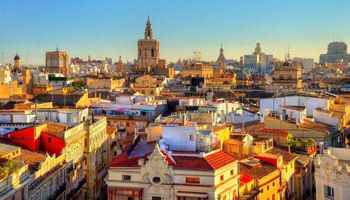 How to go from Madrid to Valencia