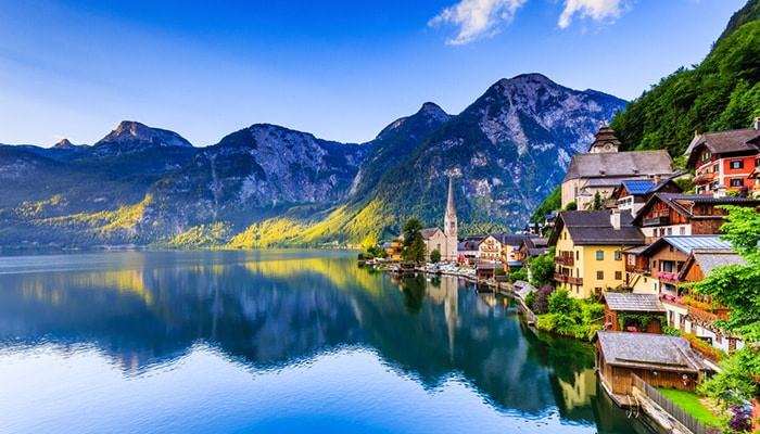 How to go from Salzburg to Hallstatt