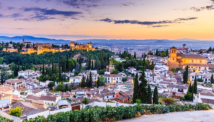 How to travel from Madrid to Granada