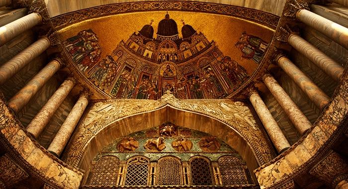 Splendida architettura all'interno della Basilica di San Marco