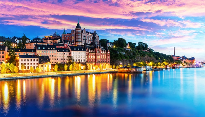 How to go from Copenhagen to Stockholm