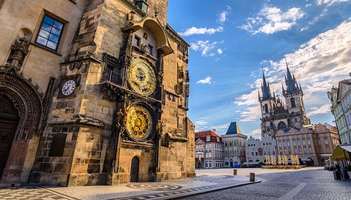 How to go from Munich to Prague