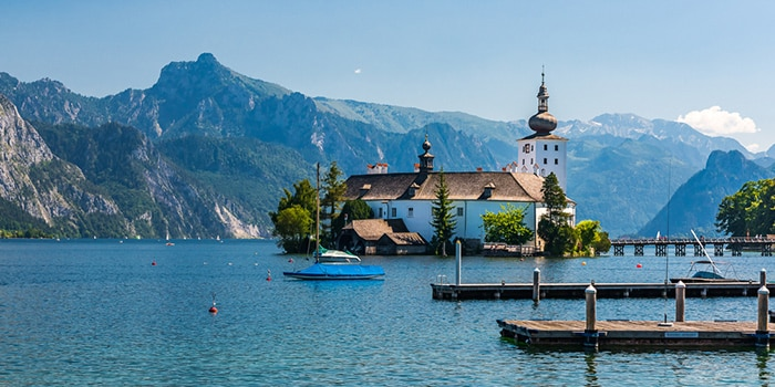Vienna to Hallstatt by organised tour