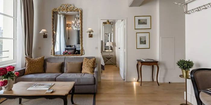 Exquisite Apartment on Jewel of an Island in Heart of Paris