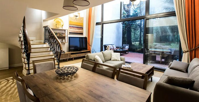Amazing Triplex Apartment with Private Backyard