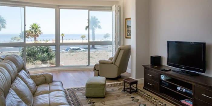 Sea Point Views on Beach Road 3 Bedroom 3 Bathroom
