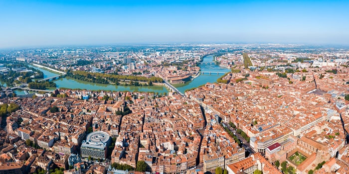Is Airbnb legal in Toulouse