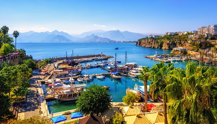 How to travel from Istanbul to Antalya